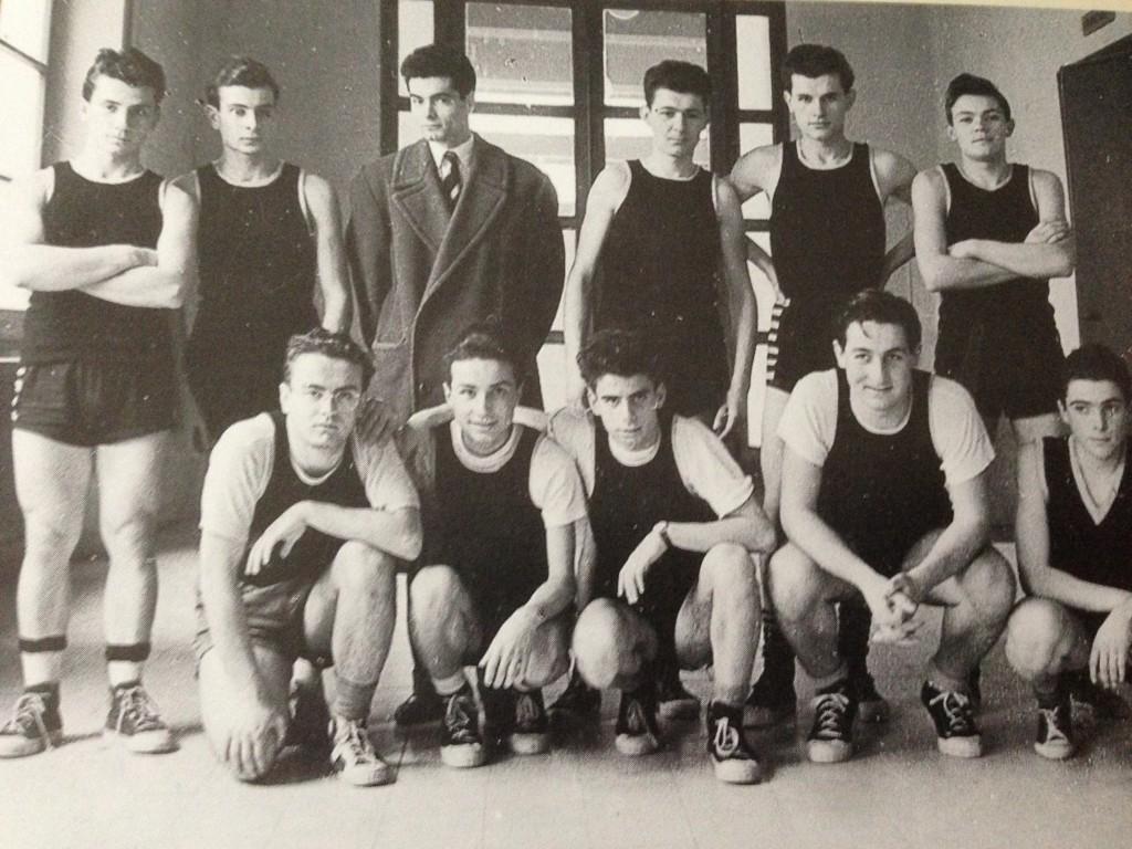 1954 – La prima formazione ufficiale dell'Arbor, campione provinciale juniores CSI, ritratta alla palestra Ex Gil